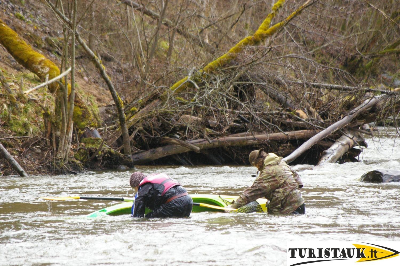 Baidarių nuoma Akmenos upe, apgyvendinimas ir pirtis, Turistauk.lt