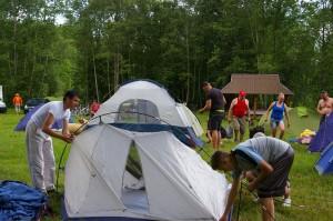 turistauk stovyklaviete prie juros upes